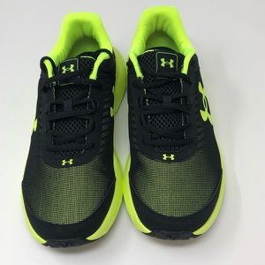 Under Armour Boys' Rave 2 Sneaker
